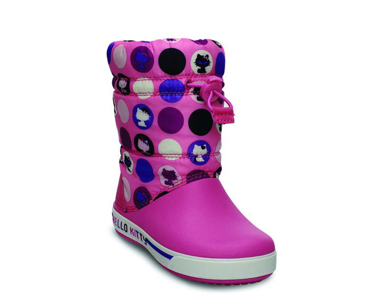 Hello Kitty小卡駱班2.5代鎮風靴,NT$2,780。圖/Crocs卡...