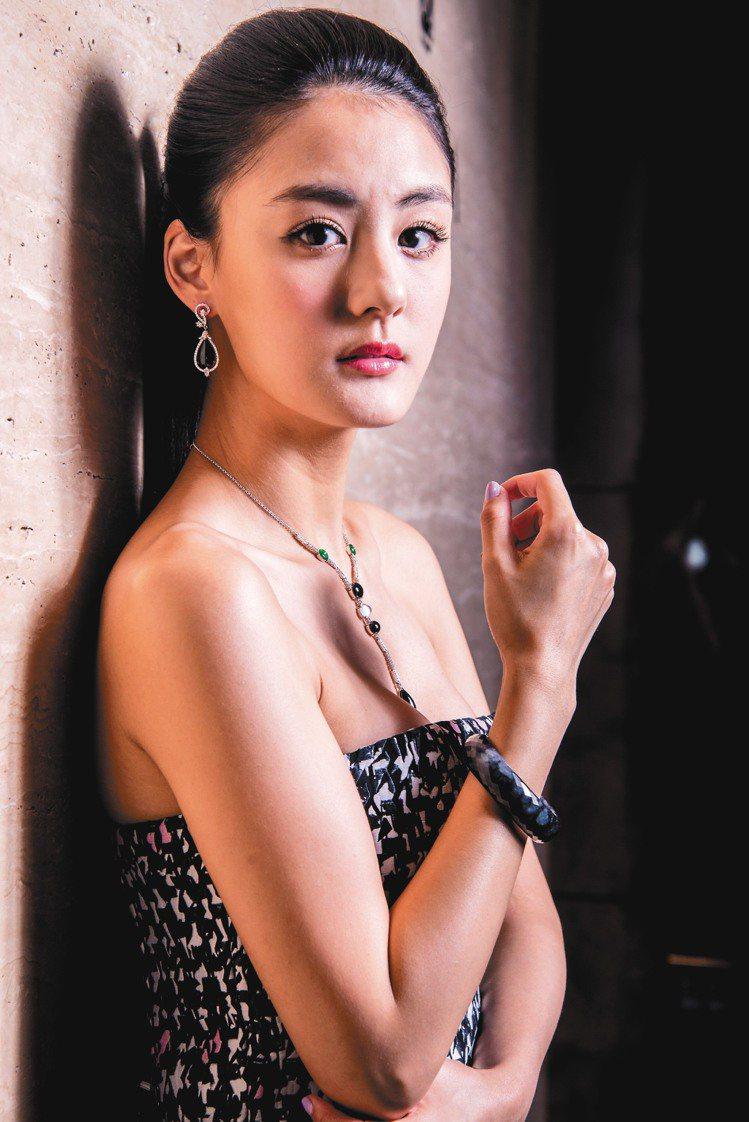 宋紀妍戴出翡翠個性的一面。記者黃士航/攝影