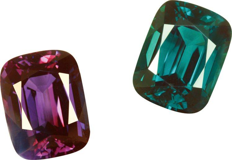 擁有上億身價的20.58克拉頂級亞歷山大變色石,預估總價值為360萬美金。圖/珠...