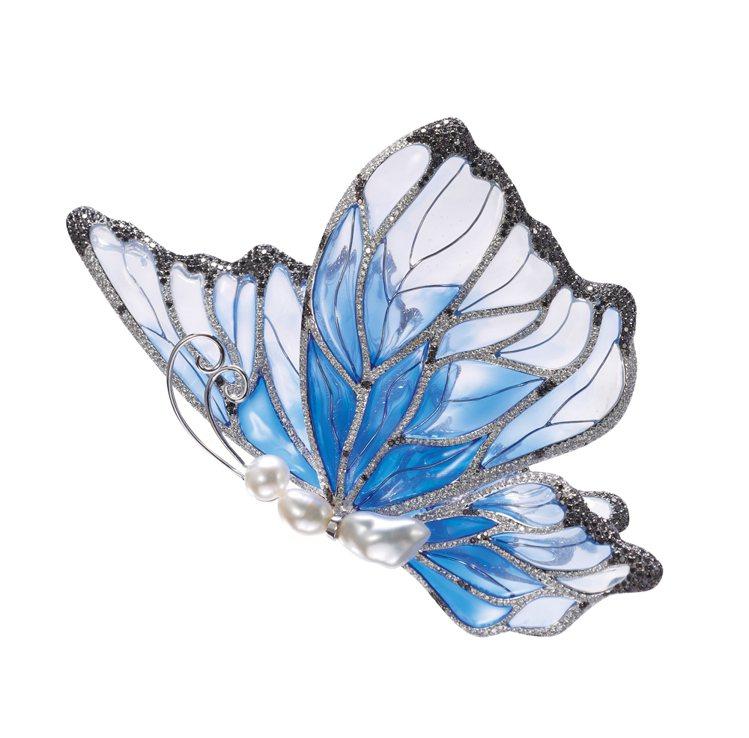 《彩蝶飛》無核珠、琺瑯、鑽石兩用針墜。圖/珠寶之星