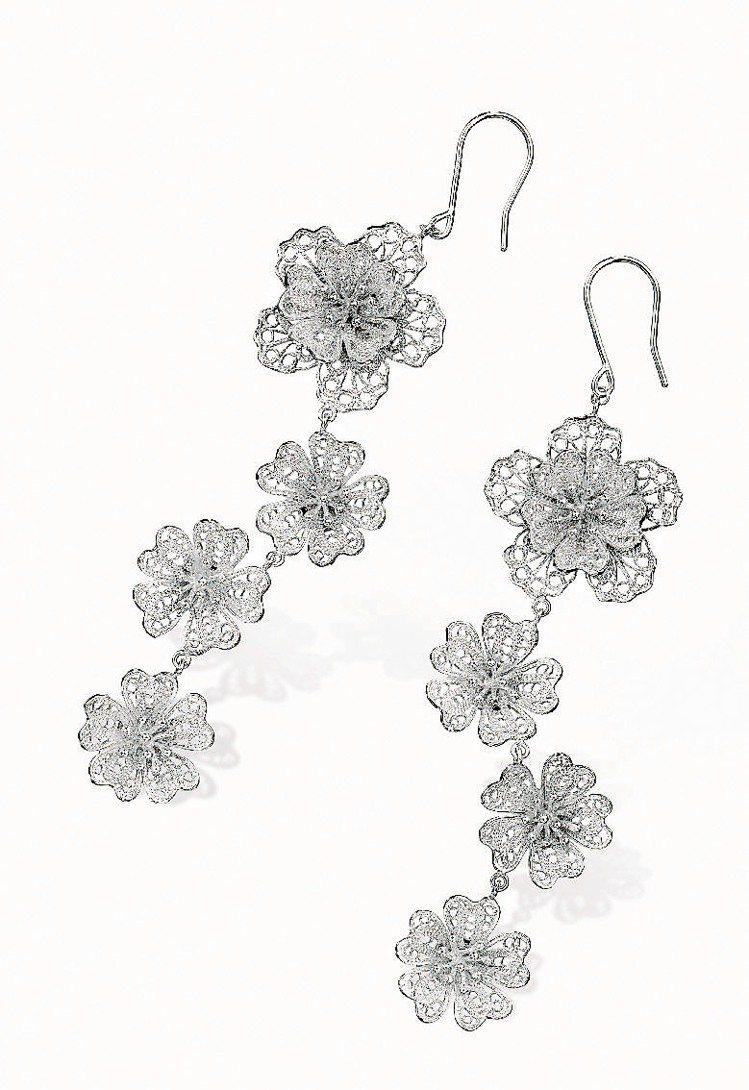取自17、18世紀歐洲蕾絲概念,鉑金Lace系列耳環。圖/點睛品提供