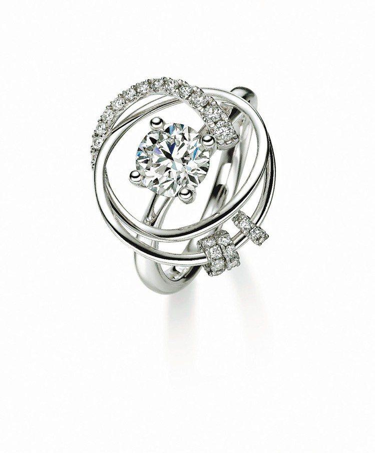 經典主打的Diamond in Motion-Knot鑽石戒指30分約56,80...