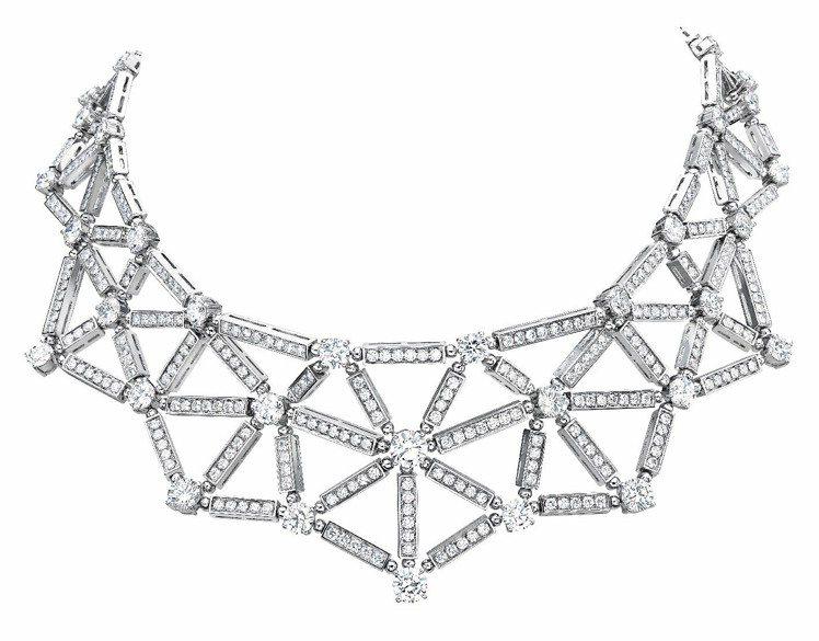 娜歐蜜華茲佩戴寶格麗白K金鑽石項鍊,價格未定。圖/Bvlgari提供