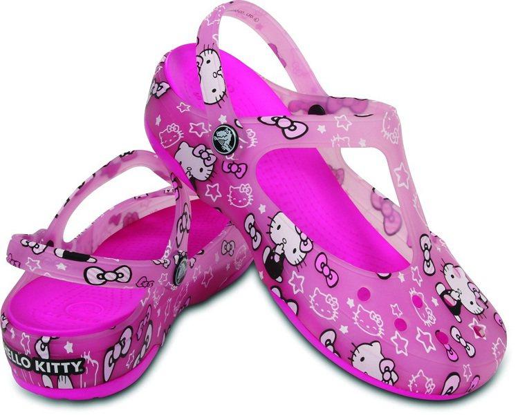 Crocs卡駱馳的Hello Kitty鞋,售價2,180元。圖/ Crocs提...