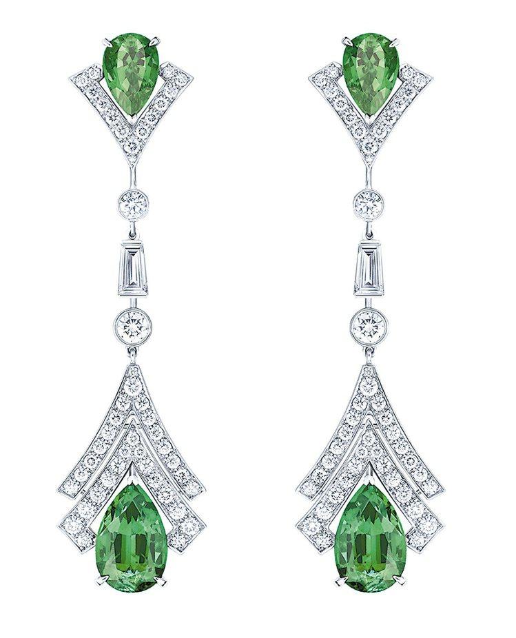 Acte V METAMORPHOSIS耳環,鉑金鑲嵌祖母綠寶石各約3.96克拉...
