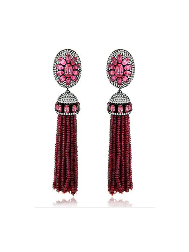 以紅寶石、紅色尖晶石和鑽石打造的流蘇耳環。圖/摘自網路