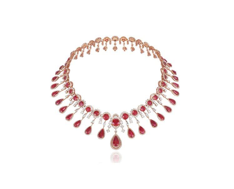 蕭邦Red Carpet系列玫瑰金項鍊,鑲嵌紅寶石和鑽石。 圖/蕭邦提供