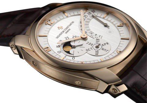 Quai de l'Ile系列逆跳年曆腕表。圖/江詩丹頓提供