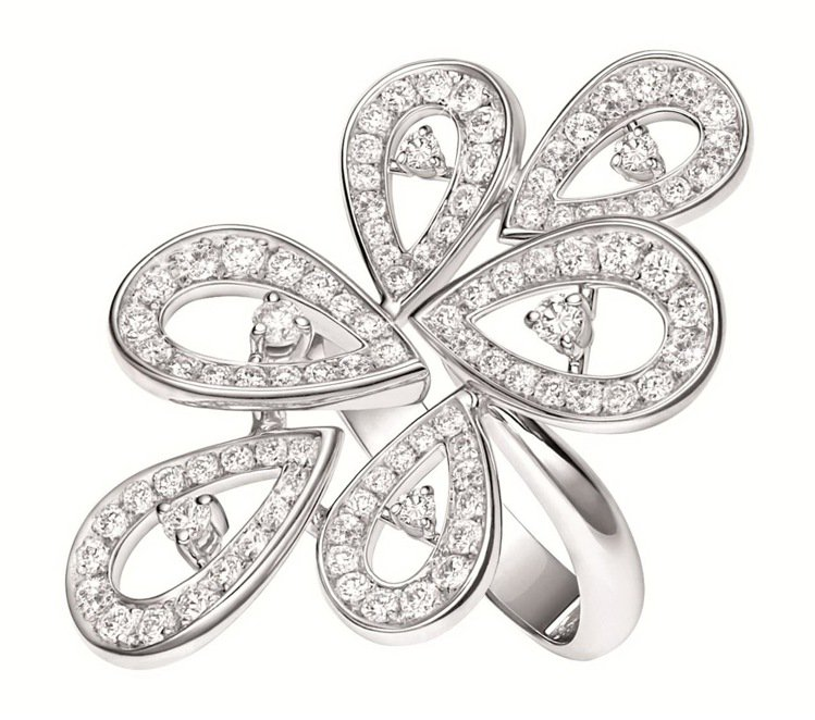 摩納哥葛莉絲王妃系列高級珠寶玫瑰花瓣六片花瓣鑽戒,價格未定。圖/萬寶龍提供