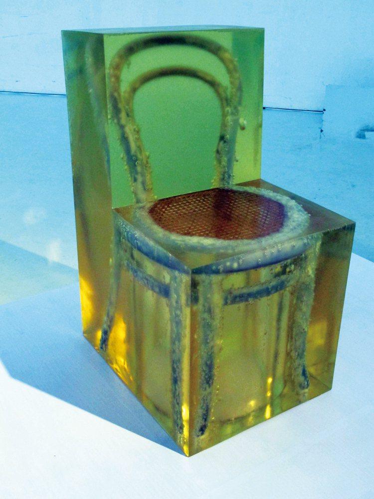 設計師Jaeuk Jung利用Michael Thonet在1859年推出的No...