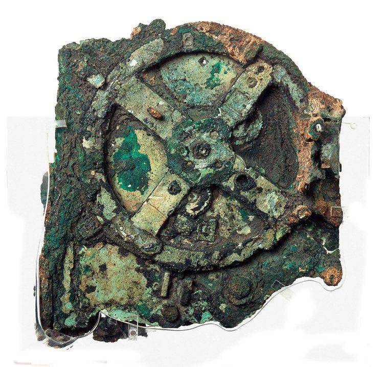 Ant ikythera的原件僅剩 82 個碎片,許多微小碎片已經全部遭到海水侵...