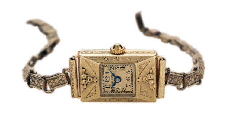 1919年,寶齊萊推出第一個女裝腕錶系列,靈感源自裝飾藝術風格腕錶或鑲嵌珠寶或採...