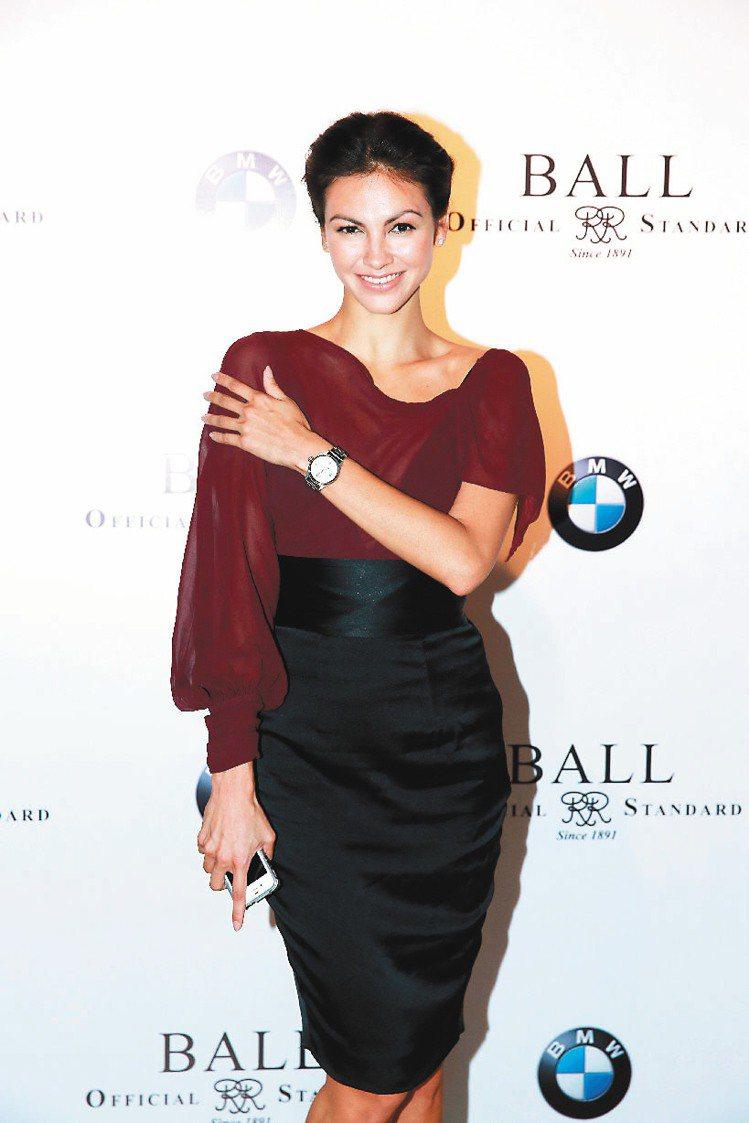 香港模特兒Rosemary(圖)與演員馬德鐘出席BALL Watch新表上市活動...