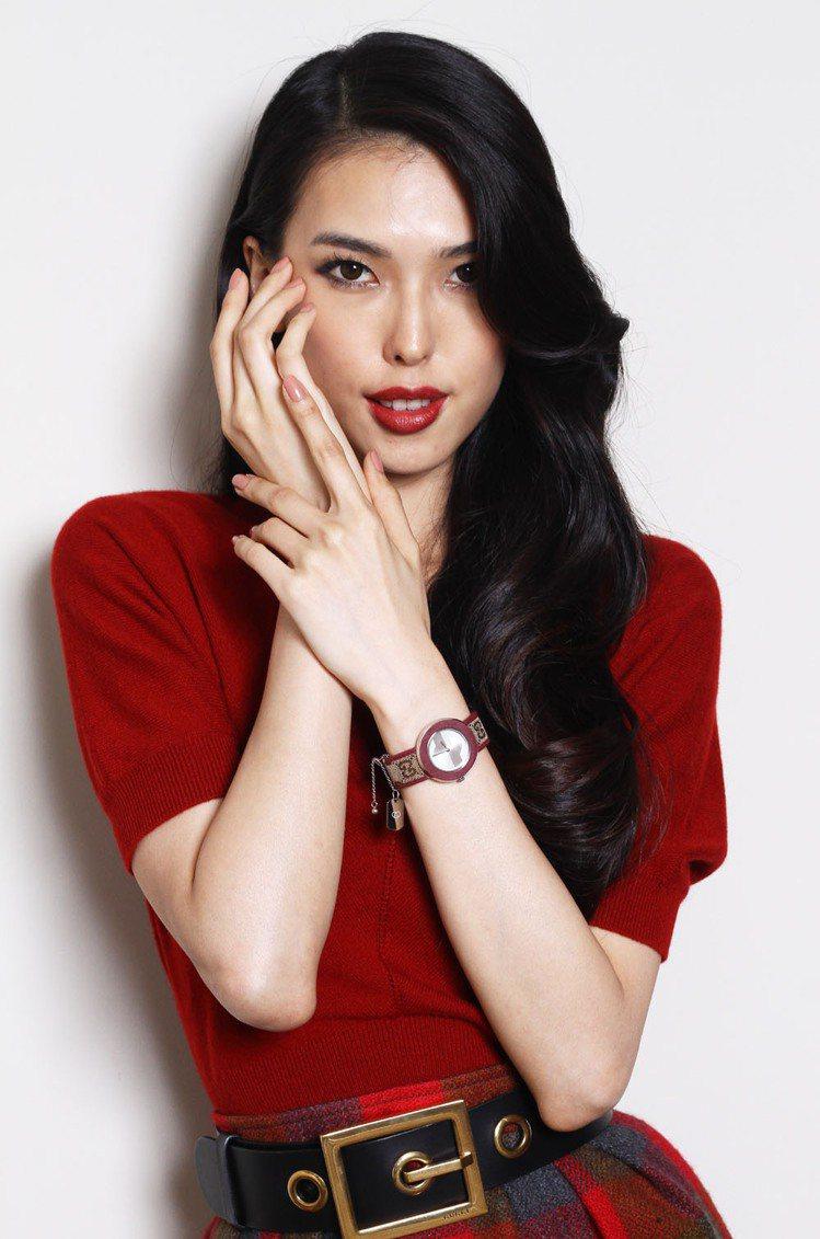 王思偉為「GUCCI Watch」 U-Play台灣專屬限定款展演。記者蘇健忠/...
