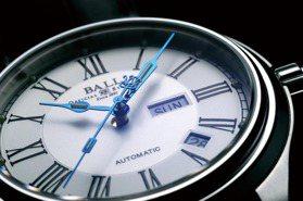 藍鋼指針波爾錶 與羅馬數字相輝映