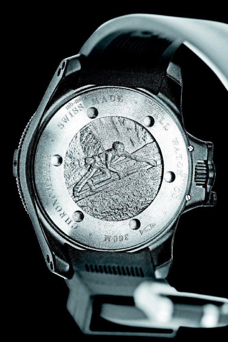 Engineer Hydrocarbon Black腕表的表背刻有代言人亞歷克斯...