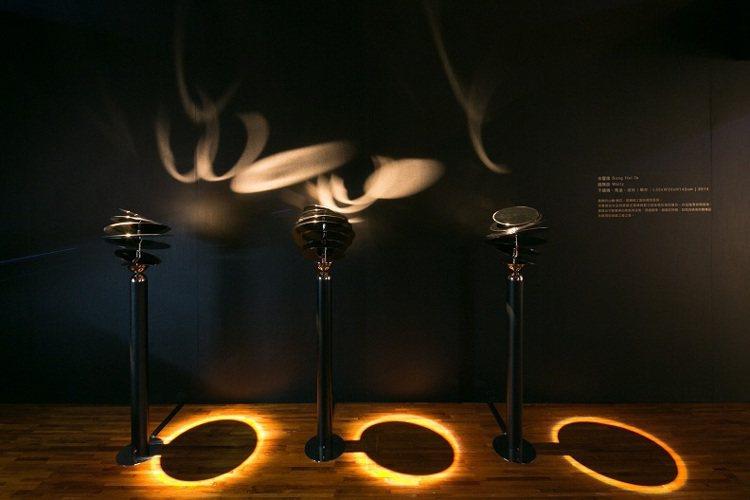沛納海藝術展,陳列動力藝術大師宋璽德的「圓舞曲」。圖/Panerai提供
