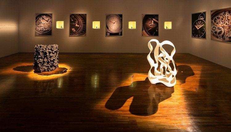 沛納海藝術展,陳列陶藝大師徐永旭的手工陶土創作。圖/Panerai提供