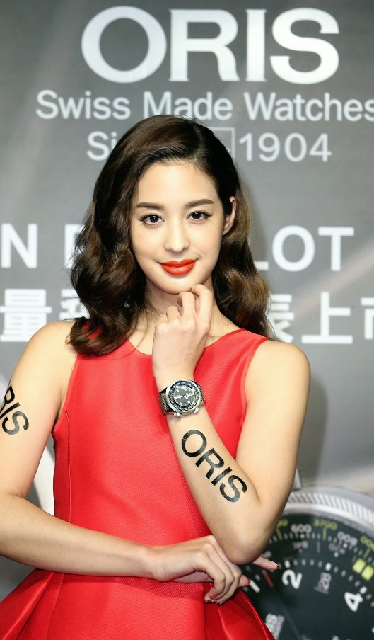ORIS高度測量飛行腕表發表。邀請名模莫允雯展示新錶。記者陳立凱/攝影