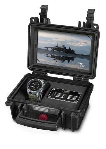 Big Crown ProPilot高度測量腕表提供特殊表盒。圖/Oris提供