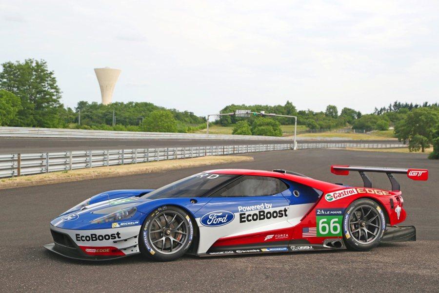 Ford GT賽車搭載的科技不只是能應付LM GTE賽事,同時也展現造型與車身的...