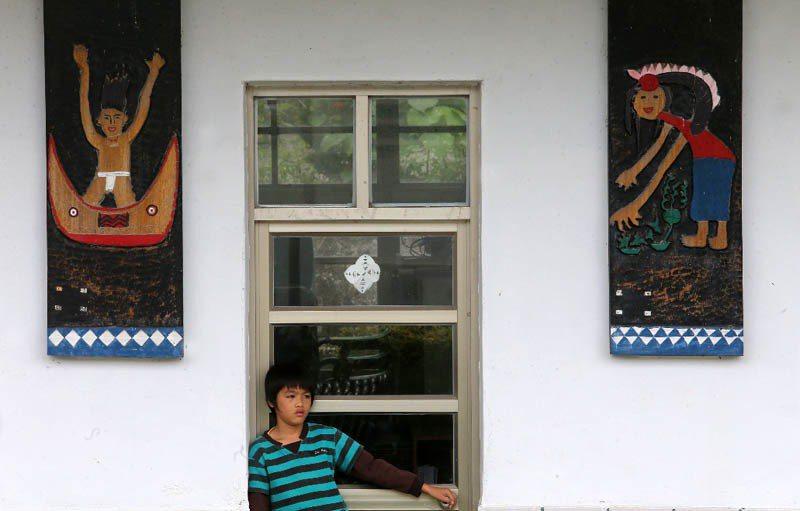 台東縣樟原國小一帶的傳統木雕相當有名,可惜學生和留在當地的人都越來越少,已逐漸失...