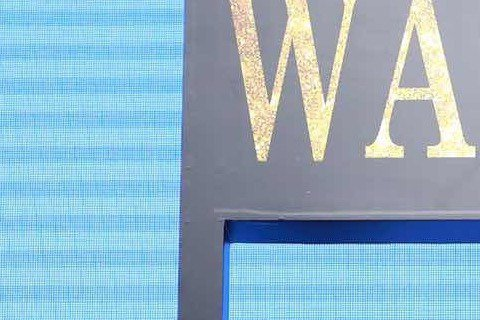 南韓歐巴李敏鎬與小太陽鍾漢良,中韓兩大帥氣男神合體,14日在上海一起參加「賞金獵人」發布會,該片集結中、港、韓三地團隊傾力合資,兩大男神相見歡,李敏鎬以「兄」親暱地叫著鍾漢良,還誇他「看上去非常年輕...