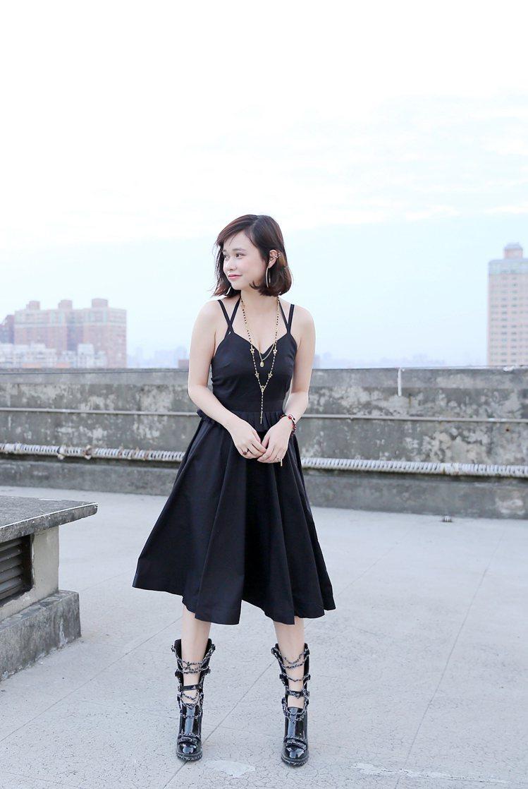 LOOK3:千金小姐感典雅洋裝。圖/77涵提供
