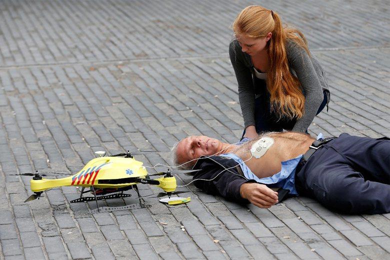 荷蘭使用「多隆」進行緊急救護。 圖/歐新社
