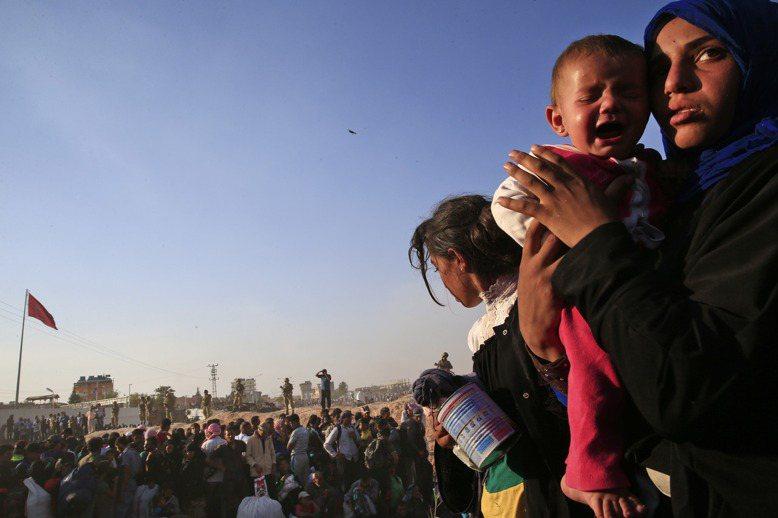 根據聯合國「世界處於戰爭」的報告指出,世界各地去年發生的衝突暴力,迫使逃離家園的...