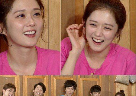 18日播出的韓國綜藝節目《Happy together 3》中,張娜拉作為嘉賓出演和大家暢談記憶中印象最深的幕後小插曲。張娜拉表示,在休息時看電視劇《製作人》,突然眼淚就止不住流下來。看到劇中IU扮...