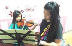 4把小提琴打造部落弦樂團 學姊以愛循環不休止