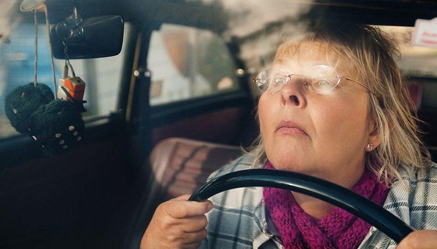 年長者駕駛的反應較慢,大家應該要多包涵。 i0.wp.com提供