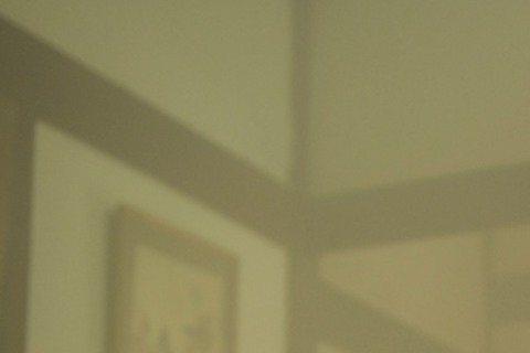 拍攝8點檔常讓演員身心靈都處在「水深火熱」狀態,台視「春梅」Darren一回歸就驚心動魄衝火海,英雄救美身陷火場昏迷不醒的林予晞,兩人被濃煙燻到眼淚直流。「春梅」火場戲為了戲劇效果,現場使用大量的煙...