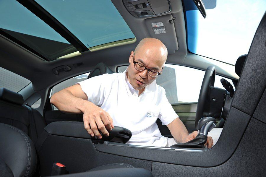 玄志勳也強調現代車細節部分也極力營造頂級的質感。 記者趙惠群/攝影