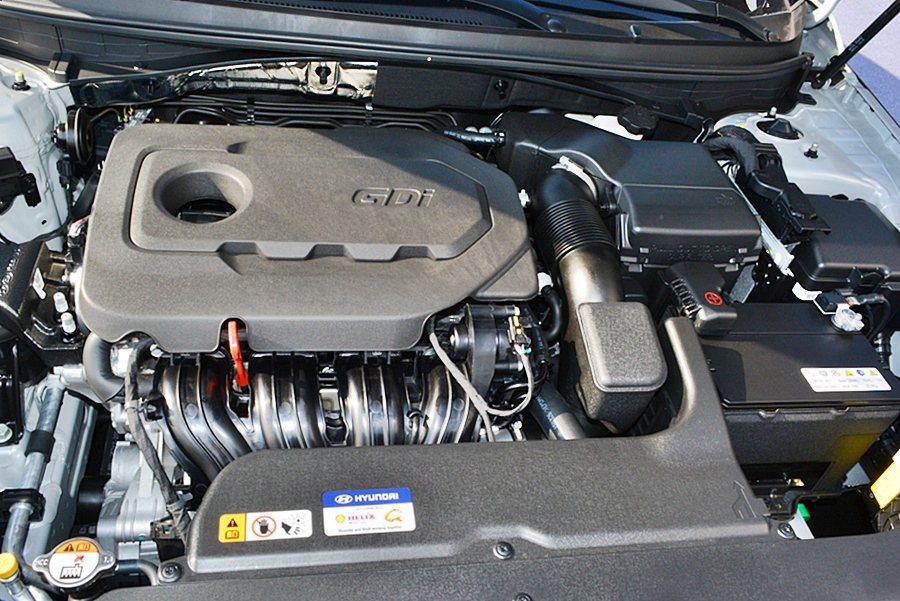 動力為2/4升GDi缸內直噴,結合BOSCH最新的高壓直噴系統和VCM進氣渦流閥...