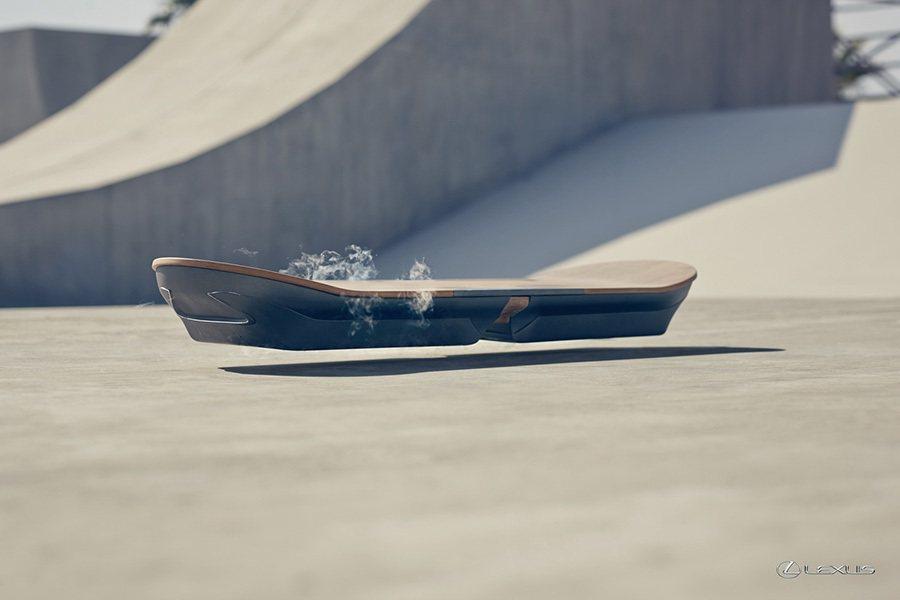 Lexus Hoverboard利用磁懸浮、液體冷卻超導體、以及永磁材質技術達成...