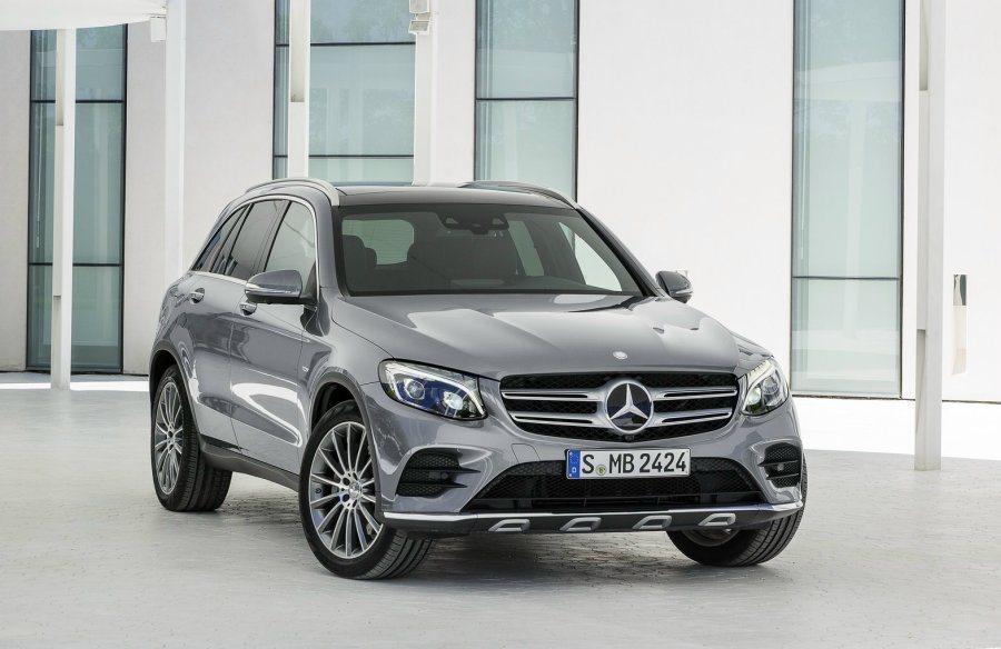 有別於GLK方正及菱角的特殊設計,全新後繼車款GLC大量融入新世代M.Benz圓...