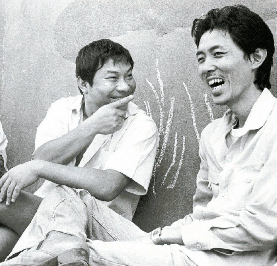 許不了(左)與導演朱延平這對電影搭檔當年合作多部賣座喜劇。本報資料照片
