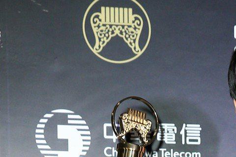 蕭煌奇本屆連拿金曲台語男歌手獎、台語專輯獎,加上之前已拿過的獎,創下在這兩個獎項上各分別拿三座獎的記錄。宣布台語專輯獎時,延續台語男歌手獎感言,他自豪表示:「這是我的第三座獎(台語專輯),加上剛剛的...