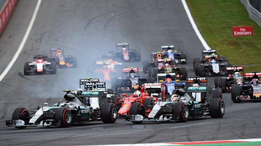 Hamilton表示起步時油門出現問題,導致無法第一時間起步,也被隊友Rosbe...