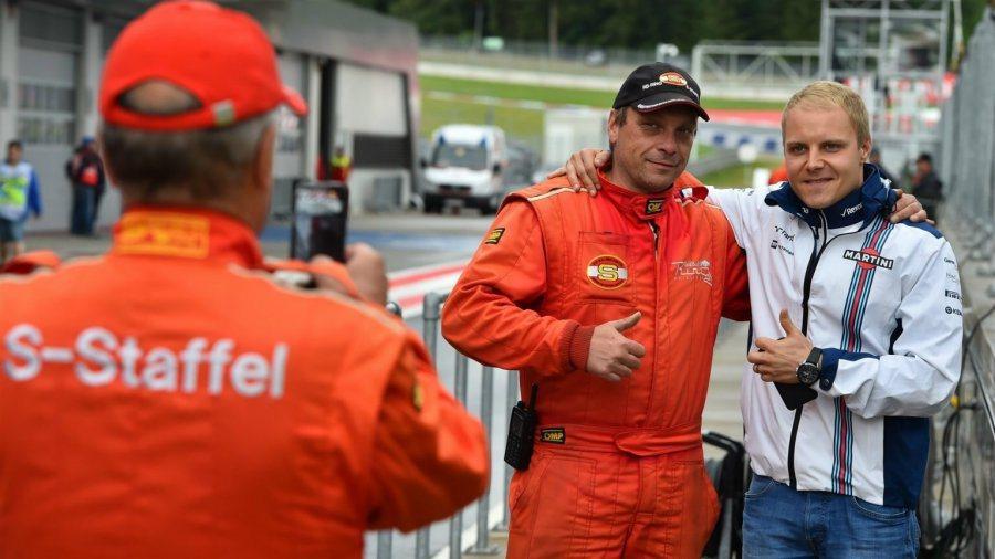年僅25歲的芬蘭車手Bottas是另一位法拉利更有興趣的對象,由於陣中已有一位德...