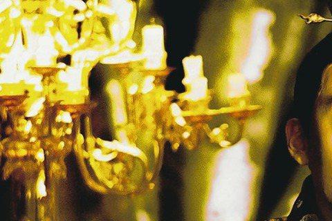 導演侯孝賢以新作「刺客聶隱娘」榮獲今年坎城影展最佳導演,首支電影前導預告將在7月3日首播,絕美壯闊的畫面和武打過招,盡顯「刺客聶隱娘」浩大氣勢與精緻水準。「刺客聶隱娘」的首支電影前導預告將在7月3日...