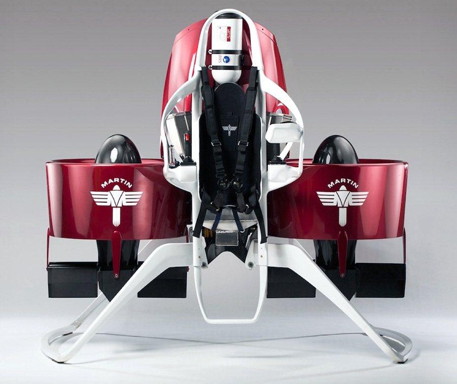 2.0升V4汽油引擎能讓P12飛行器一舉飛越3,280英尺的高度。 Martin...