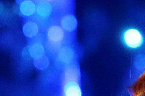 Jolin蔡依林Play巡迴演唱會前晚落幕,慶功宴上她笑說唱得很爽,但也很想放長假,而男友錦榮趕上最終場,開場前先到後台給Jolin「愛的鼓勵」,只是提到專輯入圍金曲9項大獎,獨缺歌后,她坦言:「聽...