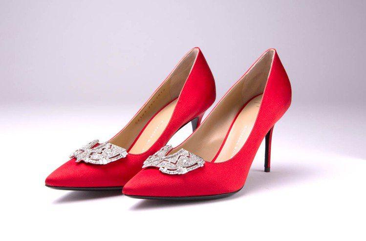 Giuseppe Zanotti Design 紅色水鑽裝飾高跟鞋、48,800...