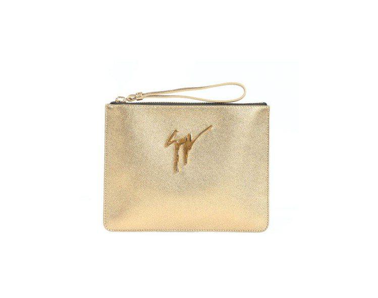 Giuseppe Zanotti Design 金色手拿包、22,800元。圖/...