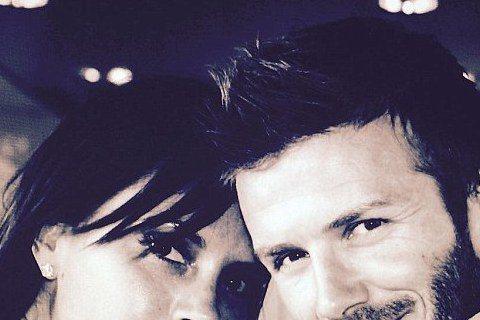 足球金童貝克漢與老婆維多莉亞已是老夫老妻,但兩人經常公開放閃。7月4日是貝克漢夫婦結婚16周年,兩人也透過各項社群媒體向對方示愛與感謝。貝克漢也在他的Instagram中貼出他與維多莉亞的合照,感性...