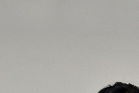 李佳豫宣告與李運慶分手後,仍強打精神上工,為即將上檔的台視「天若有情」趕戲,她用台詞:「時間會自己把希望帶到你面前。」拿來安慰自己。「天」劇中她與羅時豐、苗可麗、黃騰浩飾演一家人,其中羅時豐曾和她在...