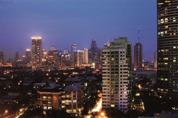 金融特區Makati內涵括眾多call center,住屋需求量大。